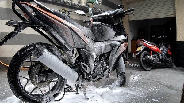 Rửa xe bọt tuyết là gì