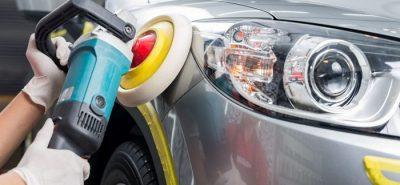 Đánh bóng xe hơi tại AutoWash