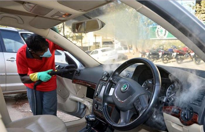 Vệ sinh nội thất xe ô tô tại AutoWash